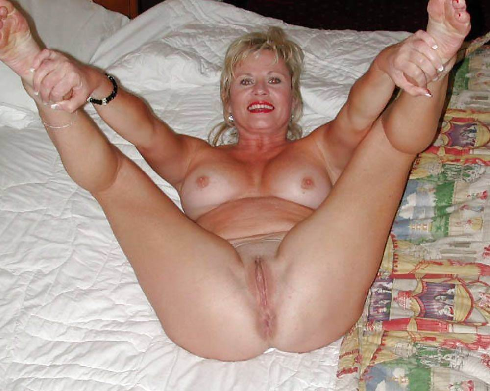 Agedlove hot mature lady seducing businessman 5
