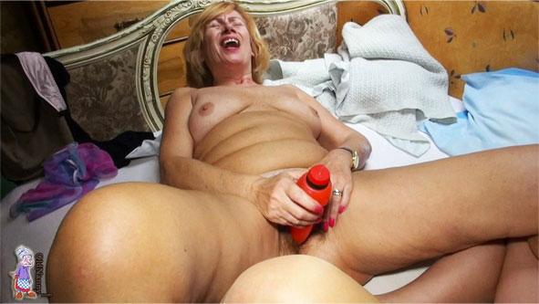 pornos ältere frauen junge geile mädels