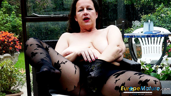 europemature.com britishe reife frau eva jayne mit grosse titten 003