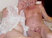Richtig geile versaute alte Oma