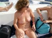 Sexy Reife Hausfrau nakt zusammen mit freundinnen
