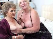 OmaGeil neue Bilder mit 2 sexy Omas