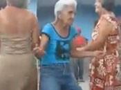 Die Alte Deutsche Frau tanzt noch richtig heis