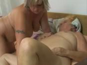 lesbian sexy mit oma